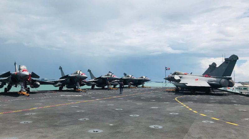 Dossier : Défense nationale et coopération internationale – Le Porte-avions Charles de Gaulle à Singapour